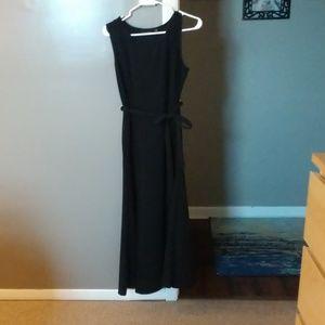 Little black sleeveless dress!